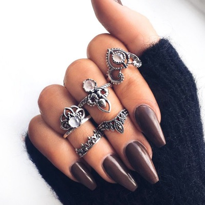 Hand-ornamented Ethnic Style Restoration Hollow Flower Crown Jewelry Five Sets Of Joint Rings